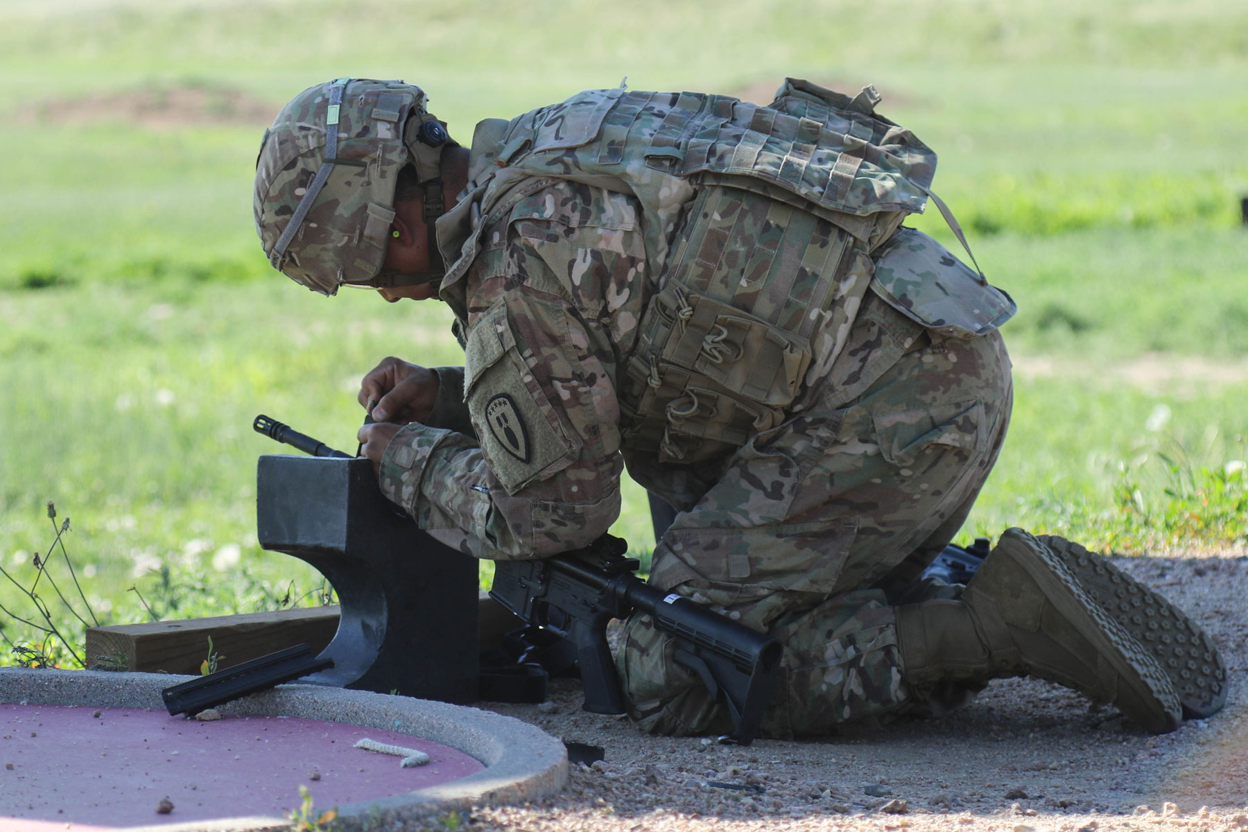 Clock Adds Pressure in Fort Carson Bomb-Disposal Contest