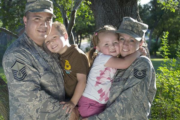 airmen family 2 600x400
