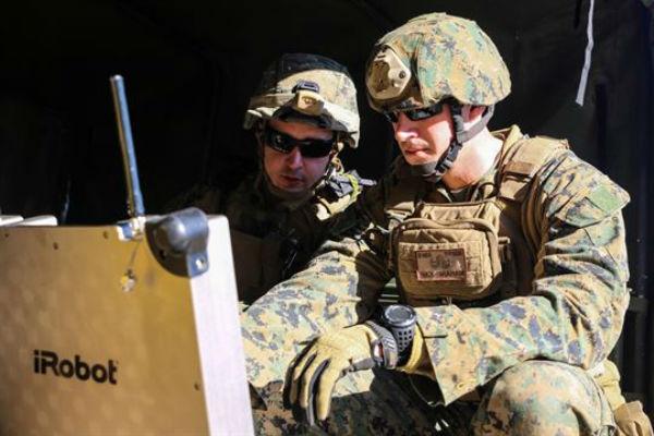 US Marine Corps EOD Technicians
