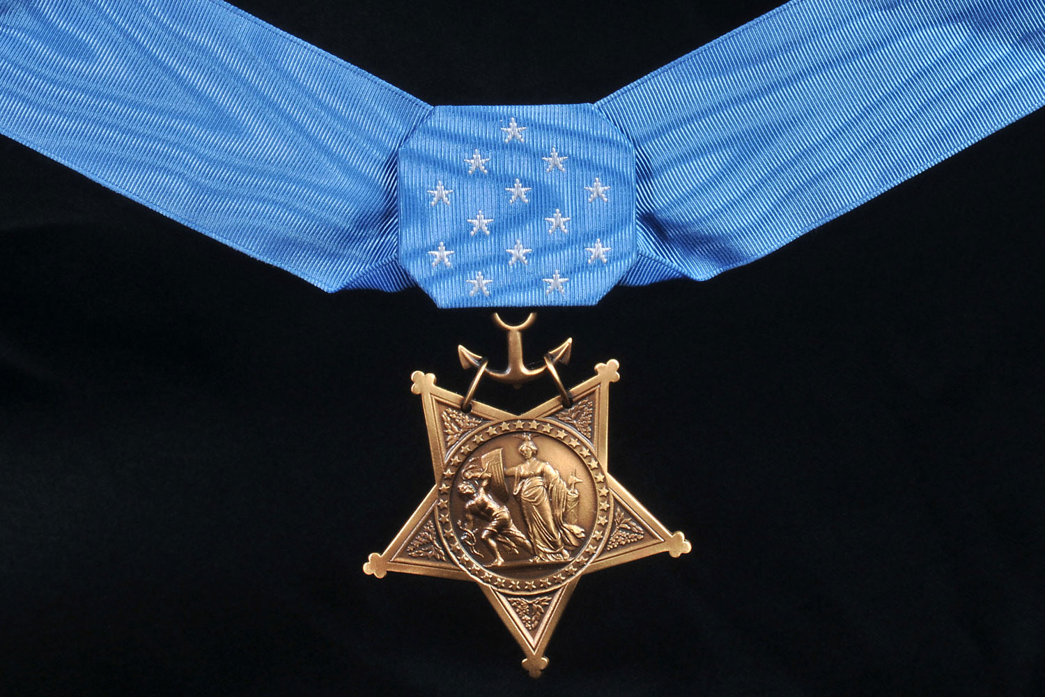 SecNav Recommends Two Troops for Medal of Honor   Military.com