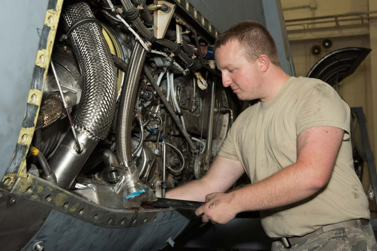 Congress Moves to Reduce Loss of Guard Technicians