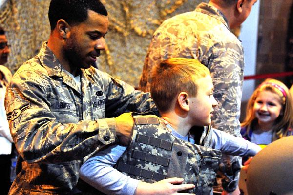 children at deployment event