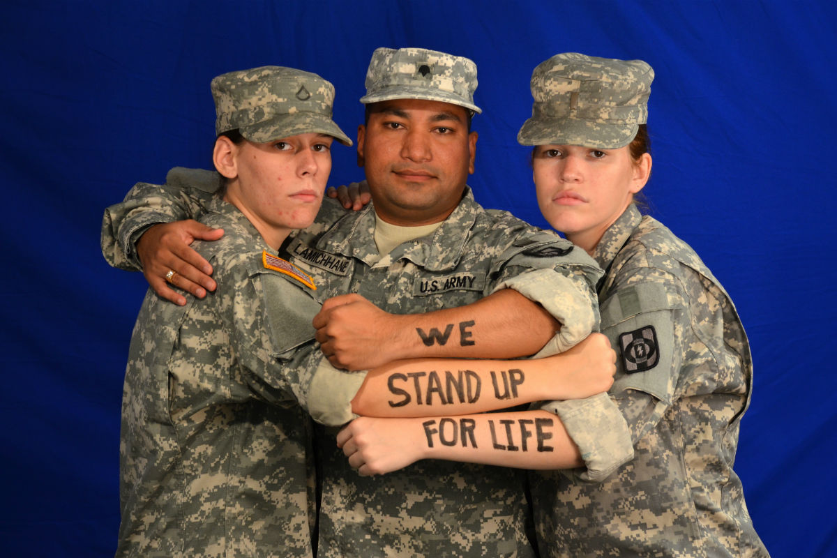 "Soldiers ""stand up for life"""