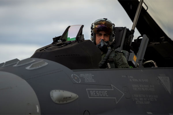 An Iraqi air force captain conducts preflight inspections inside an Iraqi F-16 Fighting Falcon at the Tucson International Airport, Ariz., on Dec. 17, 2014. (U.S. Air Force photo/Senior Airman Jordan Castelan)
