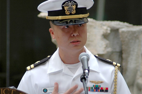Edward Lin, a Navy lieutenant at the time, shared his personal stories at a naturalization ceremony in 2008. (US Navy photo)