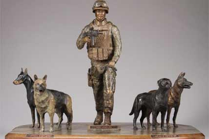 dog monument 428x285
