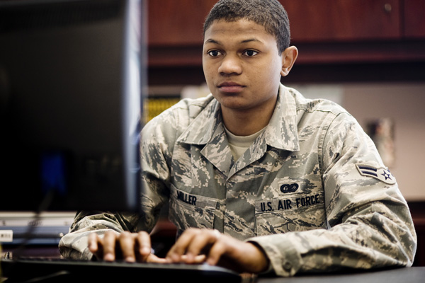 Airman using a PC.