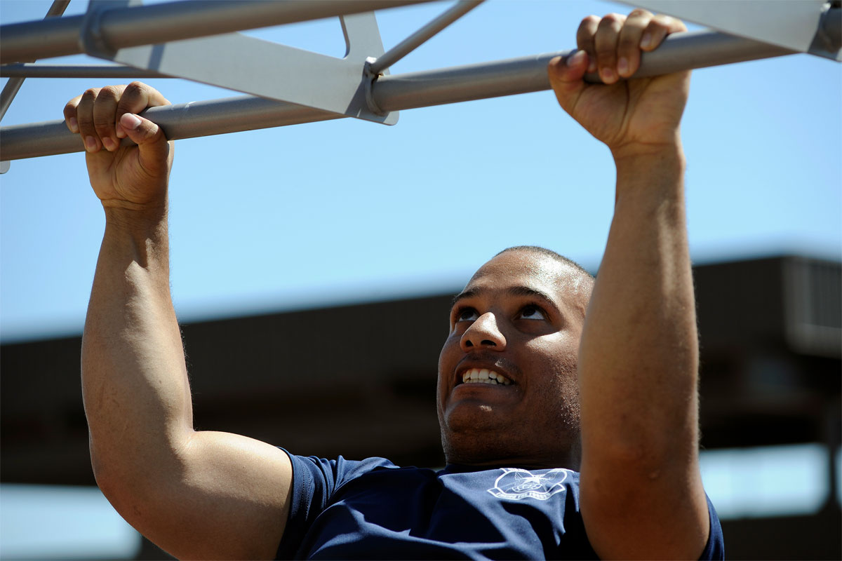 Pull-up Push Workout | Military.com